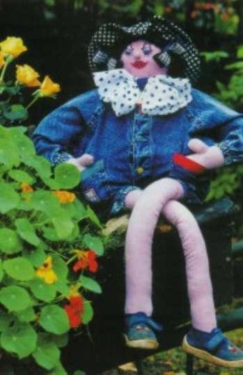 Летние садовые куклы своими руками. «Девочка на тачке» и «Девушка и пень&#187