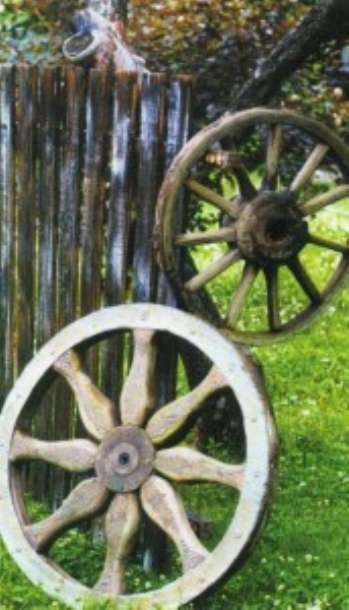 Колесо – символ солнца – древний оберег дачи